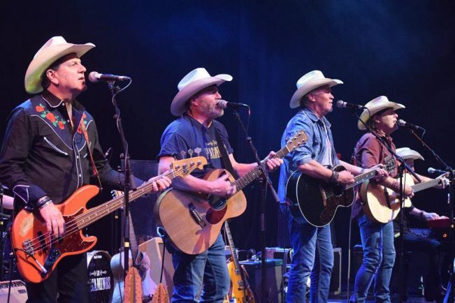Paul Young's Tex-Mex band to headline Crick Boat Show