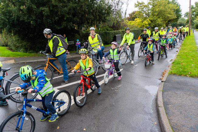 Kenilworth parents win road safety measures and create 'school cycle bus' backed by Olympian Sir Chris Hoy