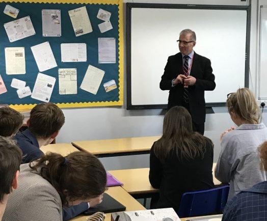Future politicians quiz MP during school visit