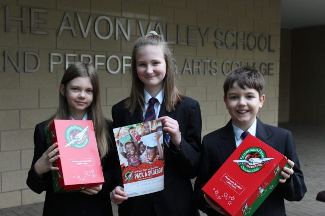 Pupils donate gifts to disadvantaged children around the world